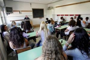 Scuola, niente più tema agli esami di terza media e maturità: una riforma, un esperimento o una resa?