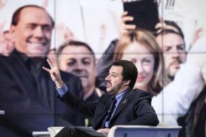 """Salvini contro Berlusconi: """"Il 3% non esiste"""". Scontro su parametri Ue"""