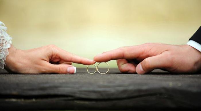 Pisa, infermiera si innamora del paziente: gli dona un rene, poi lo sposa