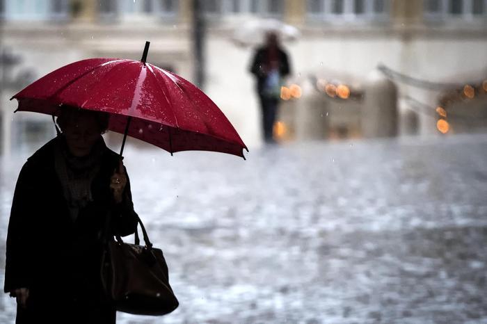 Meteo, maltempo in arrivo: Epifania con poco freddo ma sotto la pioggia