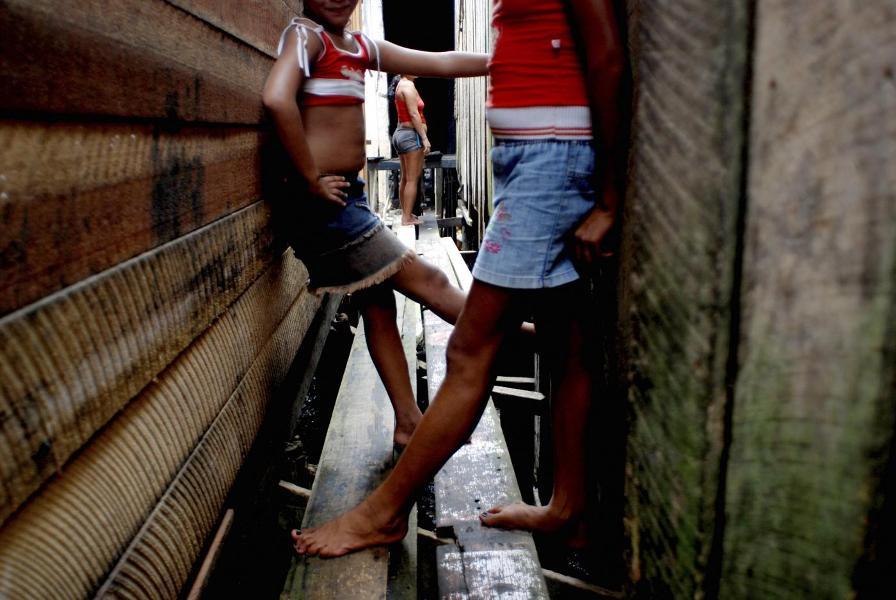 Italiani primi nel mondo per turismo sessuale su bambini: i numeri sono inquietanti