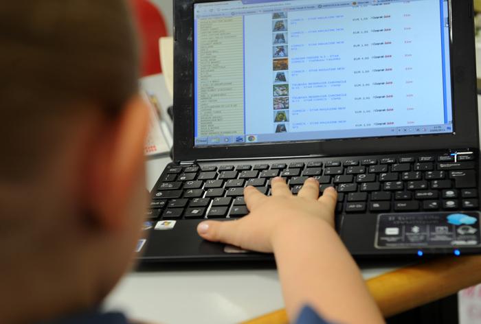 In Italia più della metà dei bambini tra i 6 e 10 anni naviga già sul web