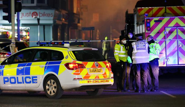 Gb, esplosione a Leicester: 4 feriti, uno stabile distrutto ma per la polizia non è terrorismo