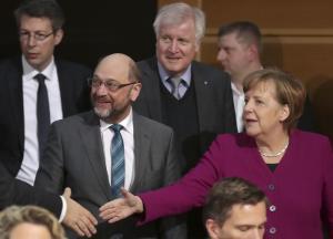 Germania, accordo coalizione: c'è il governo. Finanze ed Esteri alla Spd, Interno alla Csu