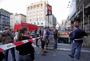 Roma, shock nella metro Barberini: militare si uccide nel bagno
