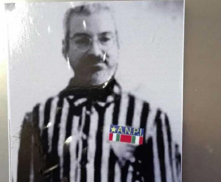 Udine, adesivi antisemiti contro l'ex sindaco Furio Honsell: è candidato alle elezioni regionali del Friuli