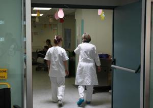 Brescia, bimba di 4 anni morta di otite: i medici sono tutti indagati