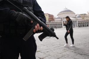 Napoli, migrante arrestato per terrorismo: dalle indagini emerge il progetto di un attentato