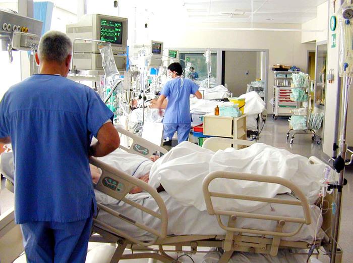 Sassari, esce dal coma e fa arrestare l'amico: lo avrebbe investito con l'auto e gettato in dirupo