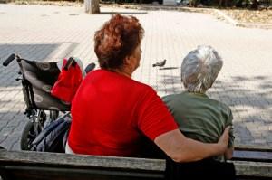 Rapporto Istat, Italia secondo Paese più vecchio al mondo: a scappare sono sempre di più i laureati
