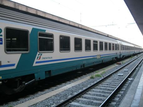 Cremona, capotreno picchiato dal padre di un ragazzo disabile per la mancata sistemazione nella carrozza