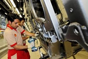 Lavoro, boom di occupati ma il tasso di disoccupazione rimane fermo all'11,2%: tra i ragazzi risale al 33,1%
