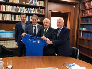Nazionale, ora è ufficiale: Roberto Mancini è il nuovo ct azzurro
