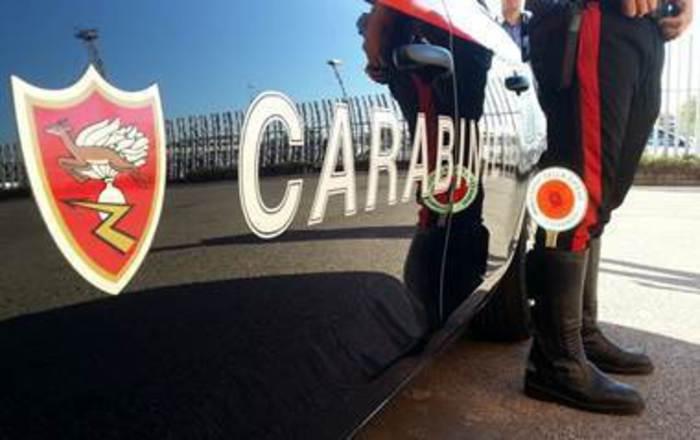 Roma, assalto a furgone portavalori: bottino da 1,5 mln euro. In azione 4 rapinatori armati di fucile