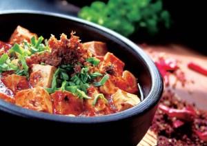 Cina, All you can eat (o quasi): ristorante costretto a chiudere perché i clienti mangiano troppo