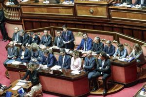 """Conte in Senato, le reazioni, Pd e Forza Italia: """"Discorso generico e retorico"""". Monti: """"Attenti alla troika"""""""