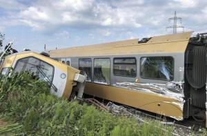 Austria: treno deraglia, due vagoni capovolti. Ci sono diversi feriti, 3 gravi. A bordo c'erano anche diversi scolari