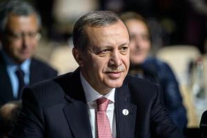 Turchia, Erdogan rieletto con più del 50% dei consensi: l'opposizione denuncia brogli