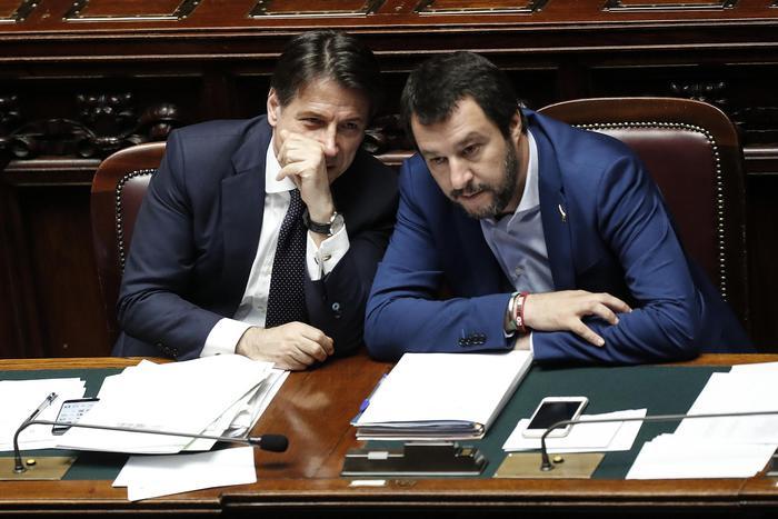 """Conte: """"Con immigrazione rischio di arrivo foreign fighters"""". Salvini: """"Sintonia con Conte. I delinquenti che hanno dirottato una nave devono finire in galera"""""""