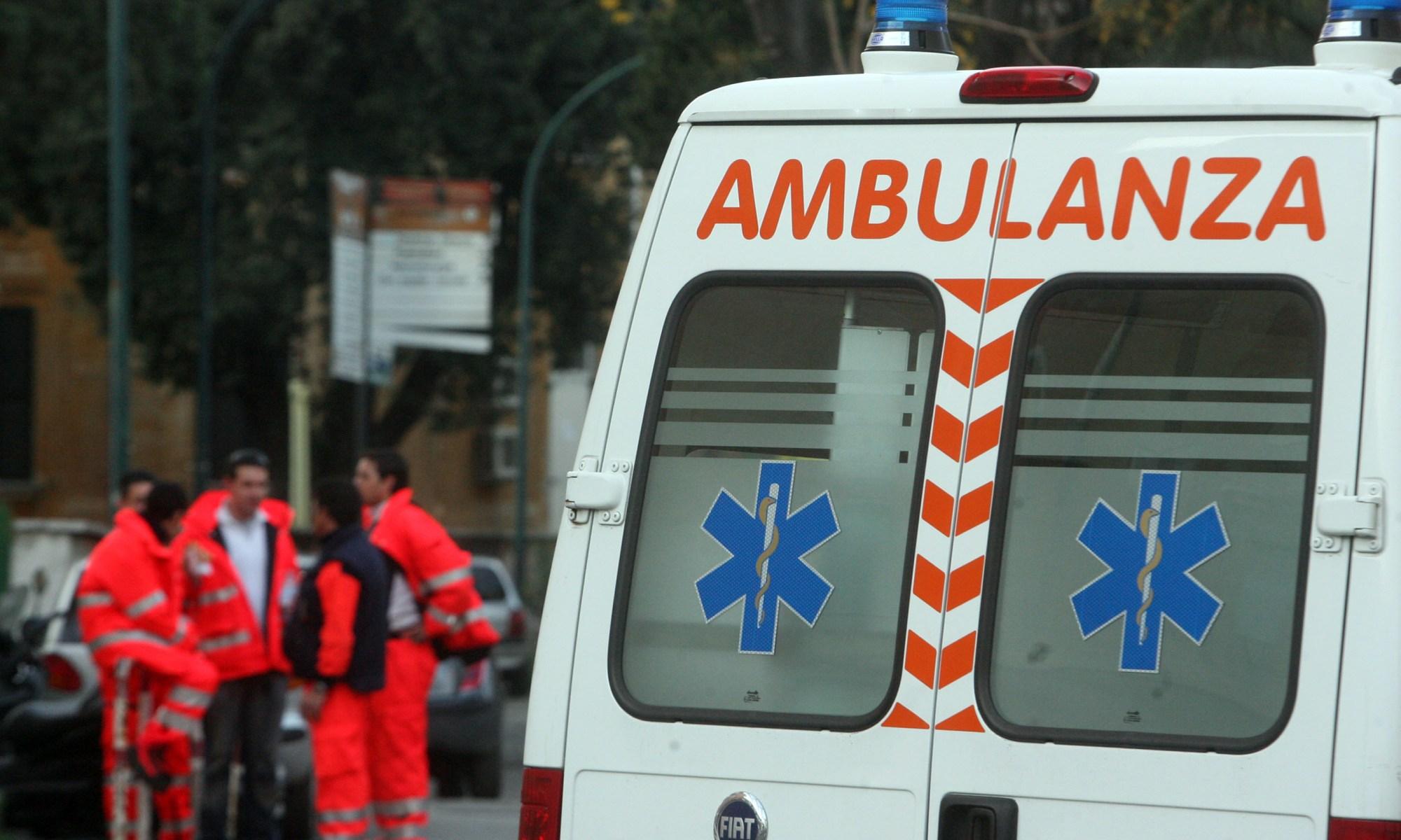 Vicenza, uomo ucciso in strada con 5 colpi di pistola: indagano i carabinieri e si cerca una Mercedes