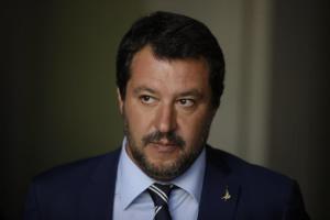 """Migranti, Salvini: """"Altro che solidarietà e accoglienza dalla Francia, più di 40.000 respingimenti. Macron abbia il buon gusto di tacere"""""""