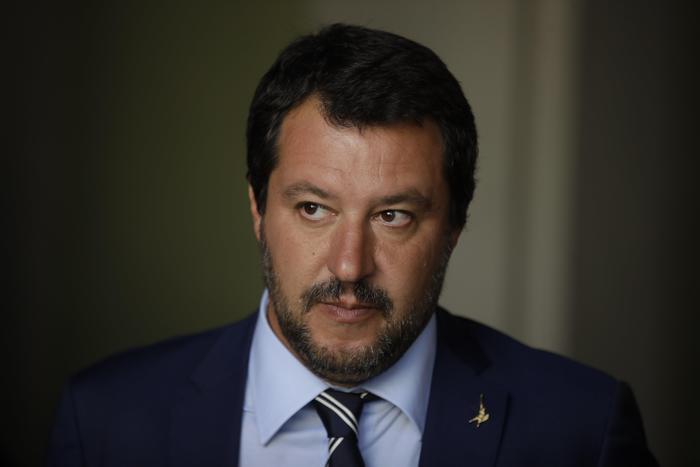 """Salvini: """"Il nome della Lega non si tocca"""". E sulla manovra: """"Sfioreremo il 3 per cento"""""""