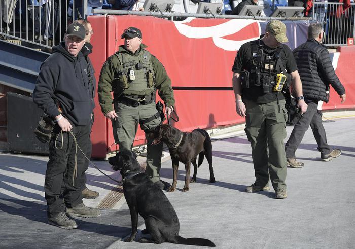 Usa, sparatoria a Jacksonville: perde a torneo videogiochi e spara. Tre morti e 11 feriti, poi l'attentatore si toglie la vita