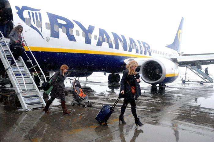 """Ryanair, siglato in Italia il primo contratto collettivo per i piloti: l'Anpac annuncia """"lo storico avvenimento"""""""