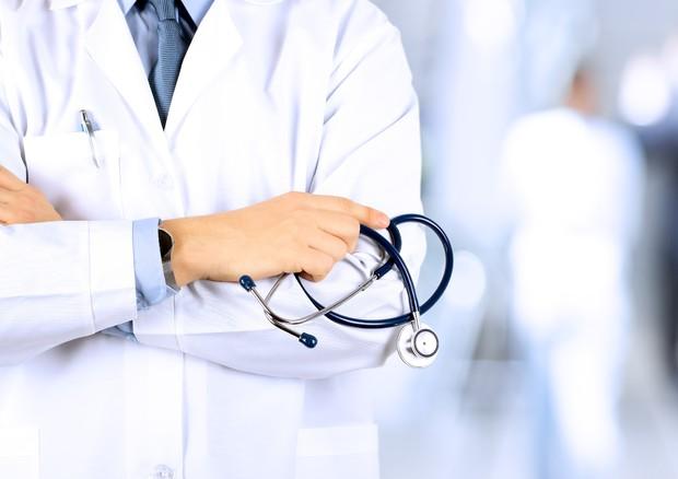 """Oggi lo sciopero dei medici: sale operatorie vuote e adesioni al 90%. Assomed: """"Più del previsto"""""""