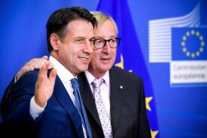 Manovra, ok Ue all'Italia: non avvierà procedura di infrazione. Decisivo è stato il taglio delle stime sul Pil