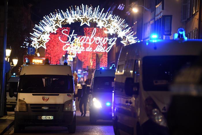 Strasburgo, attentato al mercatino di Natale: 3 morti. Tra i feriti anche un italiano