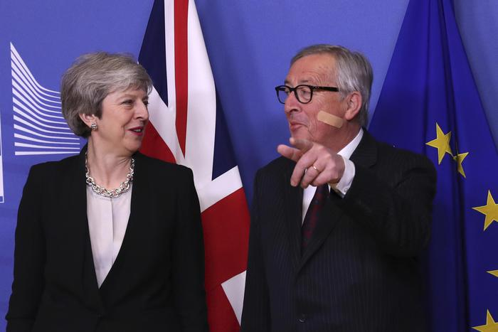 """Brexit, Juncker: """"Ancora non ci siamo, non sono ottimista"""""""
