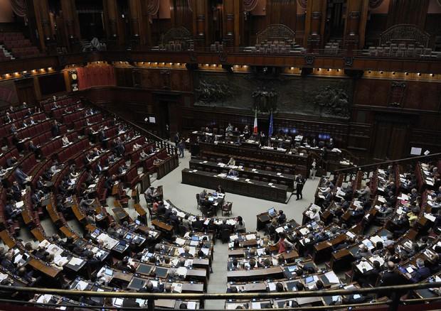 Stipendi parlamentari, Zanda: adeguiamoli, M5s attacca, a Zingaretti manca il quid