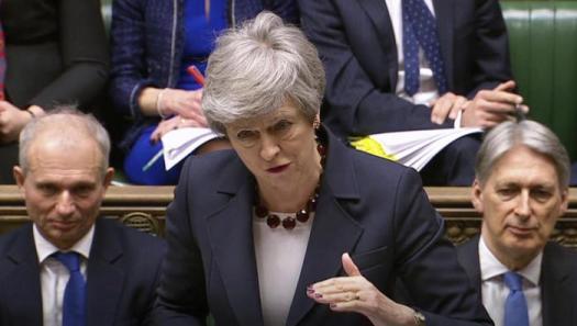 """Brexit, Theresa May offre le sue dimissioni in cambio dell'ok all'accordo: """"Sono pronta a lasciare per il bene del Paese e del partito"""""""