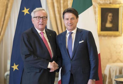 """Juncker a Palazzo Chigi: """"Preoccupato da regresso economia italiana"""". Conte: """"Rallentamento previsto"""""""