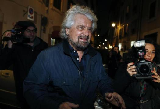 """Grillo: """"Salvini lo manderei a calci al Viminale"""""""