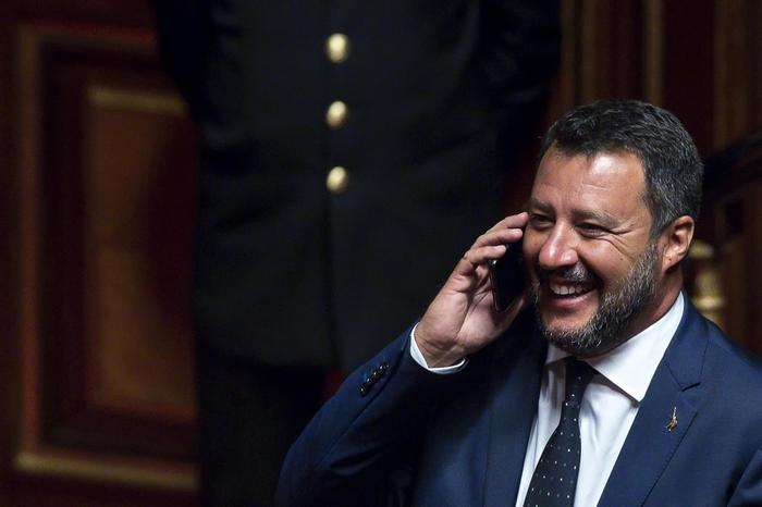 Decreto sicurezza bis è legge. Salvini ringrazia la Beata Vergine. Cosa prevede