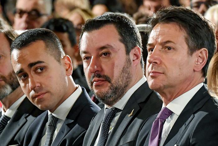 Governo, che succede? Elezioni, rimpasto o tecnici… Salvini spinge per il voto