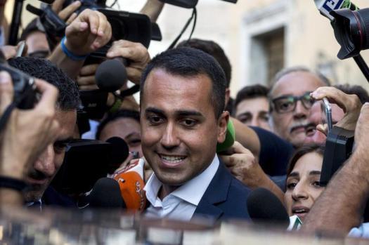 Di Maio appende il governo a Rousseau, candida Di Battista ministro per la Ue. Rema contro o fa solo la mossa?