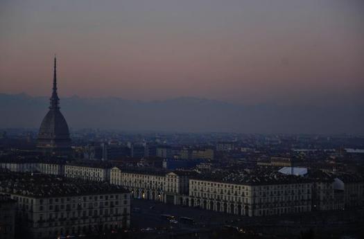 Smog, Italia prima in Ue per morti da biossido di azoto. Torino tra le città più inquinate