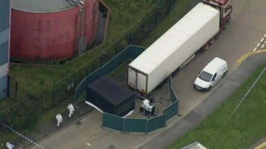Migranti morti nel camion: erano cinesi, intrappolati nella cella frigorifera