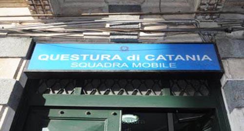 Crolla intonaco in questura a Catania$