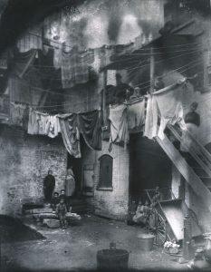 Jacob Riis. Tenement Five Points 1890