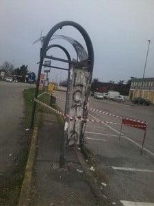 Asmonte, la fermata della Movibus colpita da un missile?