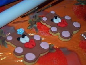 Ossona, i biscotti e il diploma di pasticc...ione con i bimbi e i genitori della scuola Bosi