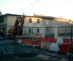 A Ossona il cantiere delle fogne è fermo per un tubo