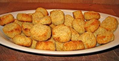 Formaggio e biscotti