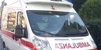 ambulanza1200ott-2-324x162 Bimba cade dalla bicicletta di prima mattina Piazza Litta Prima Pagina