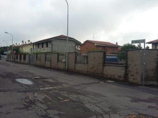 viacarloportaossona-324x243 Furto in villa sventato dall'insalata Piazza Litta (Ossona) Prima Pagina