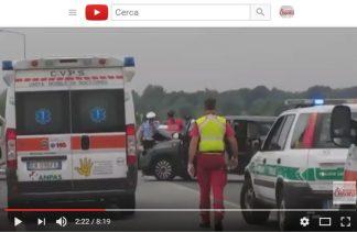 ambulanzayoutube-324x211 Incidente frontale a Mesero (Mi). Video dei soccorsi Piazza Litta Prima Pagina